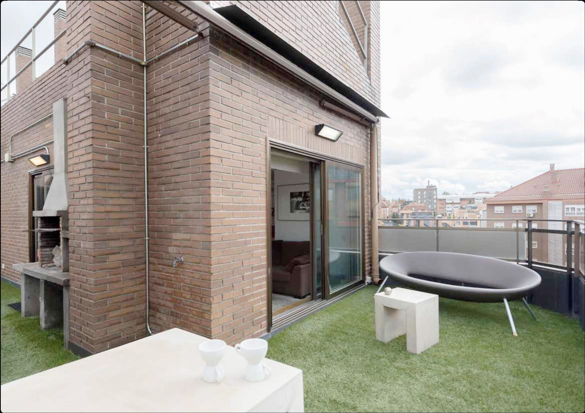Alquiler ático Dúplex Con Terraza Y Zonas Comunes Casas